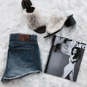 Zara}• distressed fringed Denim shorts